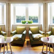 现代风格别墅封闭式阳台设计装修效果图赏析