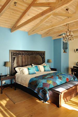 37平米混搭风格卧室实木吊顶设计效果图鉴赏