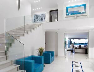 现代简约风格别墅楼梯设计效果图鉴赏