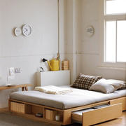 日式风格一居室卧室木质地台床设计效果图赏析