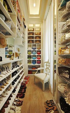 美式风格大户型衣帽间设计装修效果图鉴赏