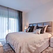 25平米现代简约风格卧室窗帘设计效果图赏析