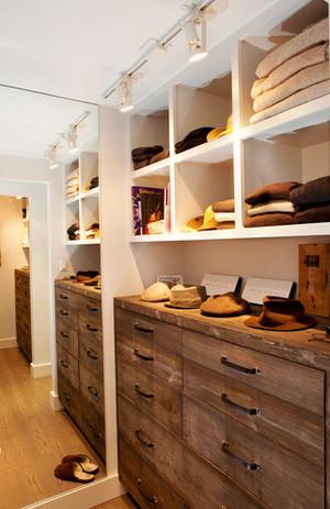 美式风格三居室衣帽间装修效果图实例