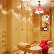 简欧式别墅大型整体衣帽间设计效果图