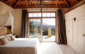 美式乡村风格别墅卧室阳台门设计效果图赏析