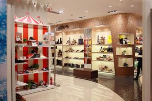 90平米现代风格鞋店装修效果图鉴赏