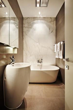 现代简约风格大户型卫生间装修效果图赏析