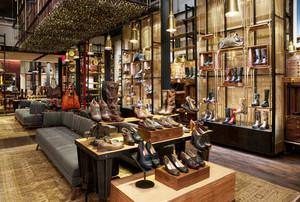 90平米现代风格鞋店设计装修效果图赏析