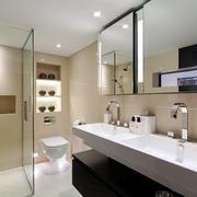 13平米现代简约风格卫生间玻璃隔断设计效果图
