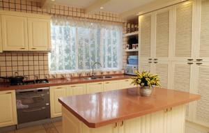 12平米简欧风格厨房吧台装修效果图