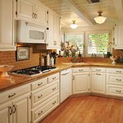 欧式风格大户型室内整体厨房装修效果图赏析
