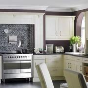 欧式风格别墅室内厨房橱柜装修效果图赏析