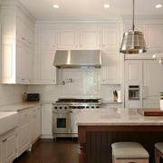 28平米简欧风格厨房吧台装修效果图