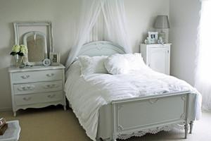 16平米欧式风格卧室装修效果图