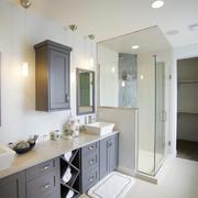 现代简约美式风格卫生间淋浴房装修效果图