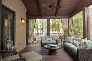 美式乡村风格别墅阳台设计装修效果图