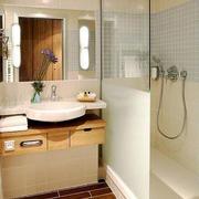 8平米日式简约风格小卫生间装修效果图