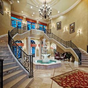 欧式风格别墅创意楼梯设计装修效果图