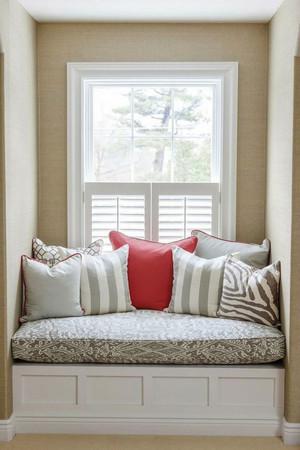 70平米简欧风格卧室飘窗设计效果图鉴赏