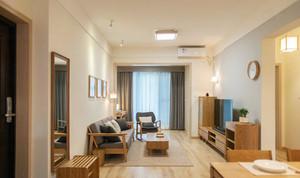 日式风格小户型客厅吸顶灯装修效果图