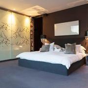 32平米后现代风格卧室嵌入式衣柜设计效果图
