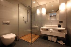 14平米现代简约风格卫生间隔断设计效果图