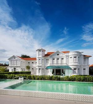 欧式风格酒店游泳池室内装修效果图赏析