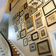 现代简约美式风格复式楼楼梯照片墙装修效果图