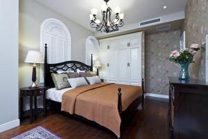 24平米美式田园风格卧室衣柜设计效果图