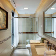 东南亚风格大户型卫生间淋浴房装修效果图