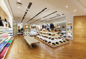 210平米现代风格鞋店装修效果图赏析