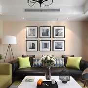 现代简约风格两居室客厅照片墙装修效果图