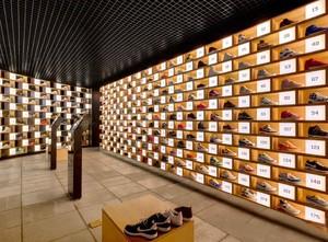 40平米乡村风格鞋店展柜设计装修效果图