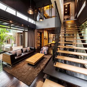 后现代风格复式楼梯装修设计效果图鉴赏