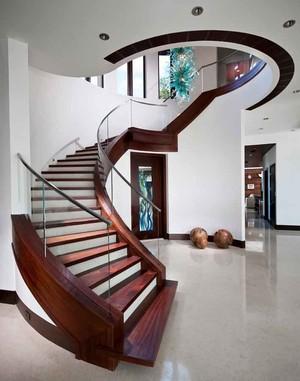 现代中式风格别墅室内旋转楼梯设计装修效果图