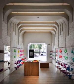 50平米现代风格内衣店设计装修效果图