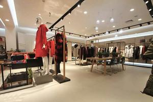 60平米后现代风格服装店面设计装修效果图