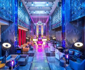 300平米现代风格酒吧装修效果图赏析