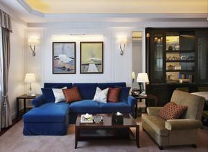 现代风格三居室客厅沙发背景墙装修效果图