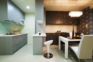 现代简约风格小户型室内餐厅隔断设计装修效果图