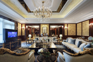 138平米古典欧式风格客厅吊灯设计效果图