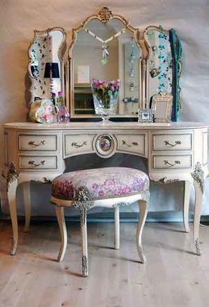 欧式风格精致卧室梳妆台设计装修效果图