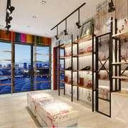 49平米现代风格鞋店展柜装修效果图