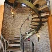 后现代风格别墅室内旋转楼梯装修效果图赏析