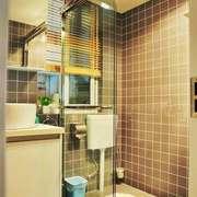 现代简约风格小户型卫生间玻璃推拉门装修效果图