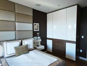 现代简约风格两居室卧室衣柜装修效果图