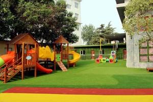 300平米现代简约风格幼儿园滑梯装修效果图