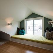 欧式风格斜顶阁楼设计装修效果图赏析