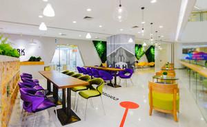 60平米现代简约风格办公室休息室装修实景图