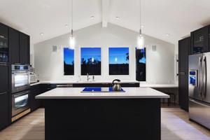 后现代风格别墅室内豪华整体厨房装修效果图赏析